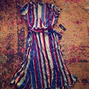 NWT Lulus wrap dress